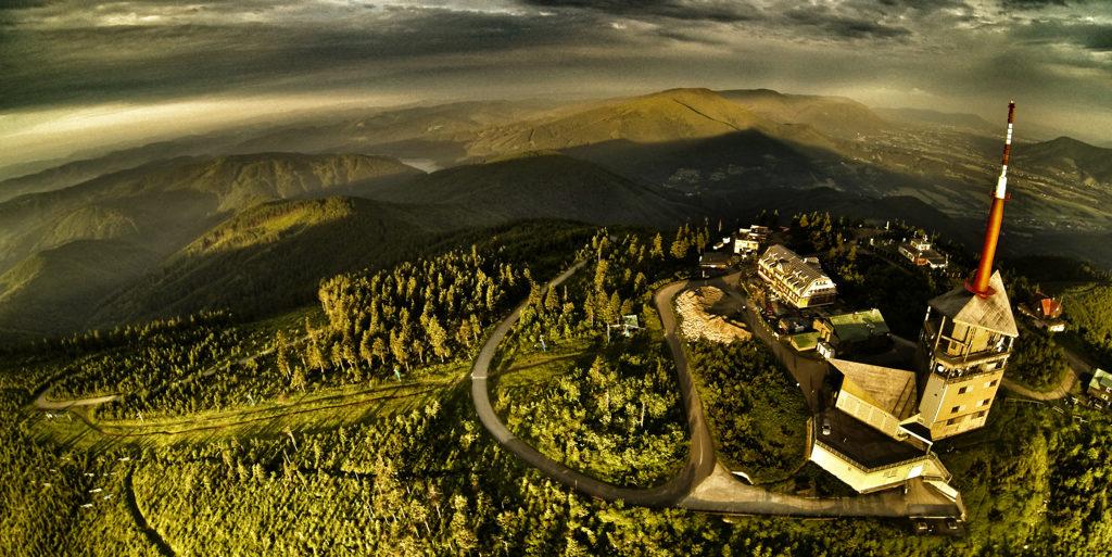 Lysá hora pohled na Beskydy